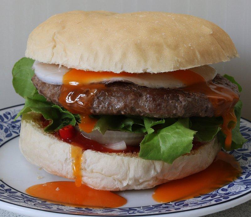 egg chilli burger 2 s.jpg