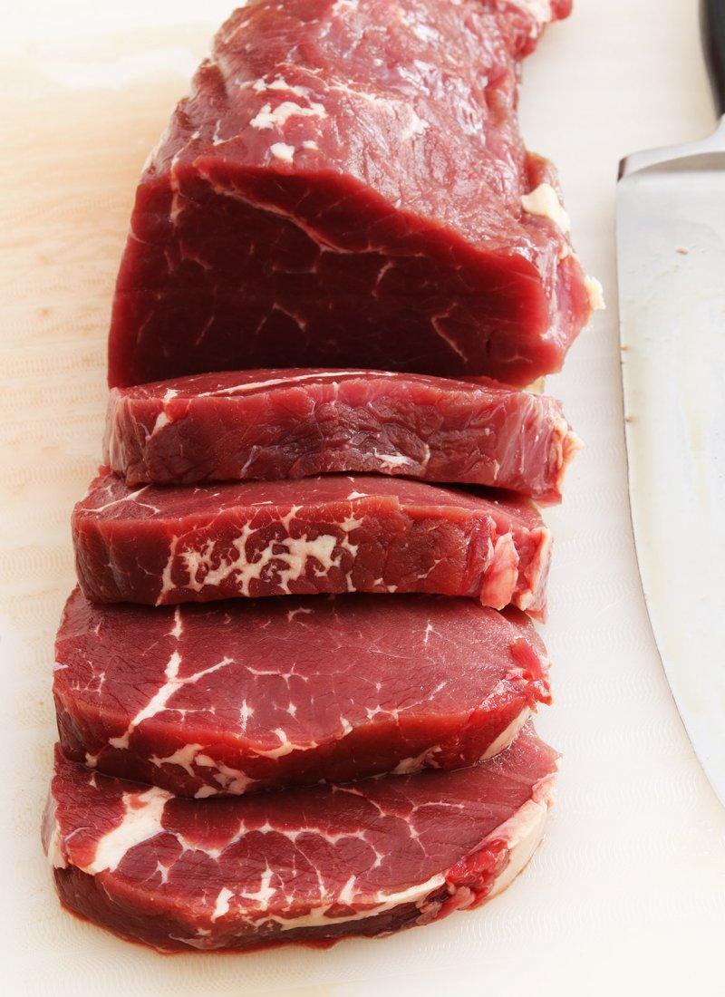 Beef fillet raw 5 s.jpg