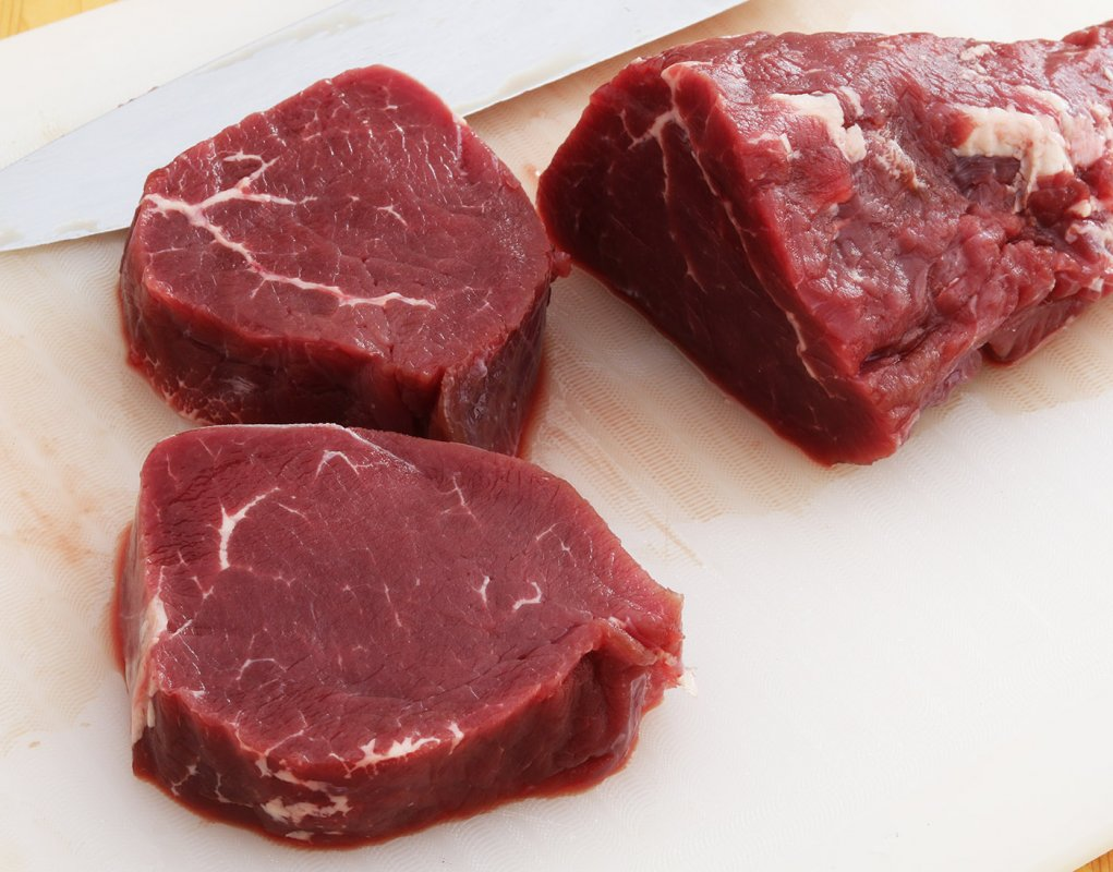 Beef fillet raw 7 s.jpg
